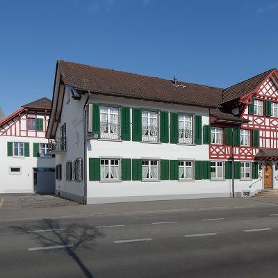 Aussen_mit_Hotel_8889-3