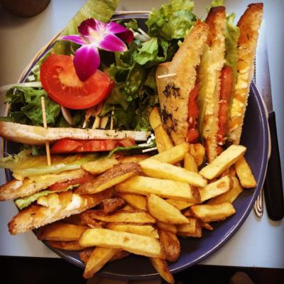 Chèvre _ Chutney sandwich